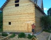 Вид на брусовой дом с угла